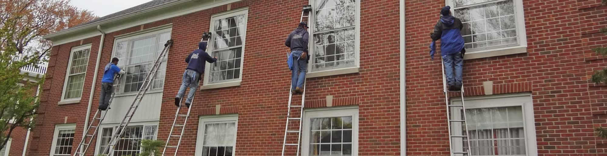 macomb-county-window-washing-1